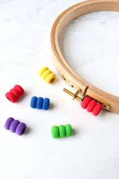 Get your embroidery hoop nice and tight without hurting your fingers! These foam comfort grips are super helpful! Cross Stitch Maker, Cross Stitch Patterns, Modern Cross Stitch, Hand Stitching, Fingers, Hoop, Embroidery, Nice, Finger