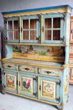 Oh,, I really want to redo one of my hutches like this. Love it..