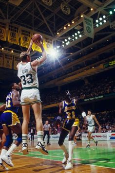 Larry Bird shoots over Magic Johnson & Michael Cooper More