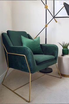 trendy minimalist home design idea - - trendy minimalist home design idea Teal Living Rooms, Accent Chairs For Living Room, My Living Room, Living Room Designs, Living Room Decor, Green Accent Chair, Balkon Design, Minimalist House Design, Bedroom Chair