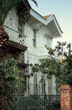 Houses on Buyukada, Princes' Islands, (near Istanbul, Turkey) Wonderful Places, Beautiful Places, Turkey Travel, Old Building, Victorian Homes, Traditional House, Art And Architecture, Old Houses, Places To Visit