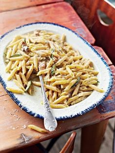 Smoked mackerel carbonara recipe | Jamie Oliver recipes