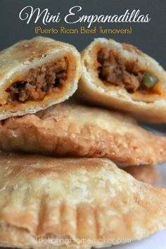 - also add boiled egg pieces instead of potato, Mini Empanadillas (Puerto Rican Beef Turnovers). authentic recipe of Puerto Rican Beef Turnovers. Comida Latina, Mexican Food Recipes, Beef Recipes, Cooking Recipes, Latin Food Recipes, Plats Latinos, Comida Boricua, Sandwiches, Beef Dishes