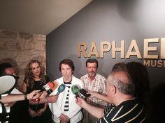 @RAPHAELartista atendió a la prensa linarense en una breve visita que hizo al @MuseoRaphael