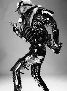 Fashion Robot oooohhhhh yes Found via pintrest! Fashion art and exploration!!