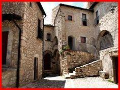 Torre di Carapelle Calvisio, castelli della provincia di L'Aquila, Castelli dell'Abruzzo