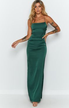 Emerald Green Formal Dress, Dark Green Prom Dresses, Emerald Green Bridesmaid Dresses, Green Satin Dress, Pretty Prom Dresses, Satin Dresses, Ball Dresses, Long Silk Dress, Dark Green Long Dress