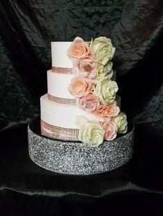 Silver Crystal wedding cake stand, Diamante cake stand Round or Square Wedding Cake Display, Cake Stand Display, Wedding Cake Stands, Big Cakes, Fancy Cakes, Chandelier Cake Stand, Chandelier Wedding, Wedding Cake Prices, Wedding Cakes