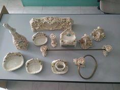 Vintage accessori per il bagno / accessori per il bagno beige con fiori / antico…