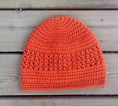 Includes instructions for 2 styles of beanie, both worked in back loop stitches. This is a great style for the entire family and includes all sizes.