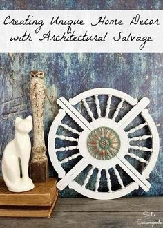 Architectural salvage is perfect for using as unique home decor, like this idea for architectural wall art with porch brackets or gingerbread trim! Unique Wall Art, Diy Wall Art, Wall Decor, Mur Diy, Porch Brackets, Upcycled Crafts, Repurposed, Easy Arts And Crafts, Diy Art Projects