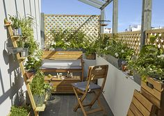 Jardin : Transformer un balcon en jardin - CASTORAMA