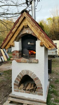 Nice looking pizza oven