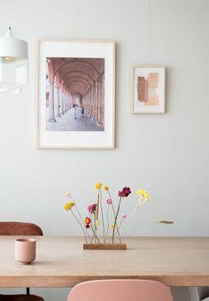 Onze allereerste flowergram. De mooiste droogbloemen op een rijtje, bezorgd door de brievenbus. Je besteld 'm al vanaf €14,95. Interior Design Living Room, Living Room Decor, Living Room Modern, Bedroom Decor, Inspiration Wall, Interior Inspiration, Hygge, Dining Room Design, Beautiful Interiors