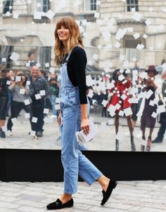 Denim dungarees, black top + loafers | @styleminimalism. Image via: http://www.vestiairecollective.com/