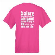 Tricou Nu alerg Tricou cu mesaj funny: Eu nu alerg. Si daca ma vezi vreodata alergand, ar trebui sa alergi si tu, pentru ca ceva ma urmareste! Funny, Mens Tops, T Shirt, Gifts, Products, Fashion, Self, Supreme T Shirt, Moda