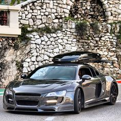 The Audi can be as practical as any other car that can have a roof box, but the has the benefit of looking good in motion and at a stand still. Audi R8, Car Camper, Fancy Cars, Car Ford, Hot Cars, Exotic Cars, Car Pictures, Custom Cars, Motor Car