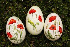 Easter Egg Crafts, Easter Eggs, Diy Christmas Crafts To Sell, Easter Egg Designs, Painted Rocks Kids, Rock Painting Designs, Art Carved, Egg Art, Stone Crafts