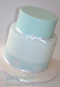 Opplæring: Hvordan lage en dobbel tønne kake Tutorial: How to make a double barrel cake How to make & ice a double barrel cake Cassie Lopes - Cake Decorating Techniques, Cake Decorating Tutorials, Decorating Ideas, Cookie Tutorials, Craft Tutorials, How To Stack Cakes, How To Make Cake, Double Barrel Cake, Cupcake Cakes