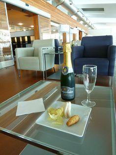 """""""TAP Lounge"""", Porto Aeroporto, Porto Portugal (Luglio)"""