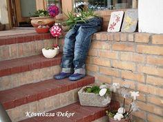 Készítsünk farmerből virágtartót!   Kövirózsa Dekor Succulents, Planter Pots, Succulent Ideas, Home Decor, Decoration Home, Room Decor, Succulent Plants, Home Interior Design, Home Decoration