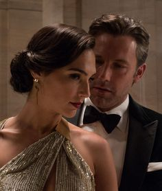 "Ben Affleck y Gal Gadot en ""Batman v. Superman: El Amanecer de la Justicia"" (Batman v. Superman: Dawn of Justice), 2016"