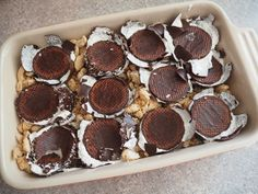 Fredagskagen: Flødebollelagkage | Opskrifter | Nanna Pretzmann Good Food, Yummy Food, Cakes And More, How To Make Cake, Yummy Cakes, Frosting, Cake Recipes, Sweet Tooth, Sweet Treats