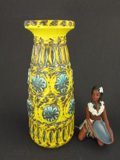 Vintage Keramik Vase / Bay / 76 35 / gelb und von ShabbRockRepublic