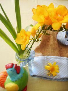 Με μια αγκαλιά λουλούδια! Burlap, Greek, Reusable Tote Bags, Blog, Hessian Fabric, Blogging, Greece, Jute, Canvas