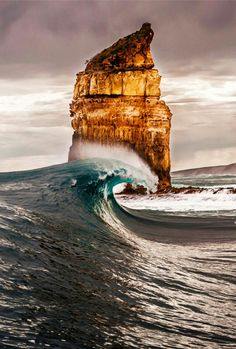 From breaking news and entertainment to sports and politics, get the full story with all the live commentary. Snowboard, Landscape Photography, Amazing Photography, Ocean Wallpaper, Sea Waves, Nature Photos, The Great Outdoors, Cool Pictures, Australia
