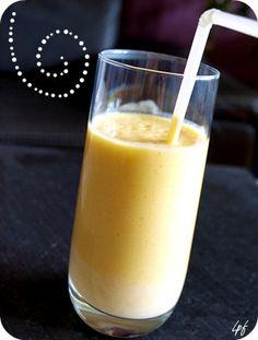 Smoothie mangue, orange, banane                                                                                                                                                                                 Plus