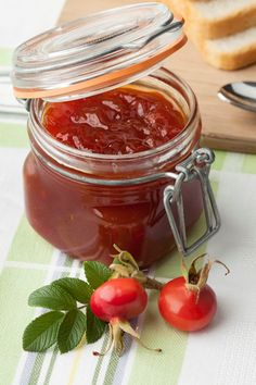 Csipkebogyólekvár Jam Recipes, Cooking Recipes, Canning Pickles, Fruit Jam, Winter Food, Chutney, Gelato, Herbalism, Gem
