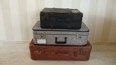 Oude vintage koffers. / Old vintage suitcases.