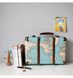 Valise en carton carte du monde