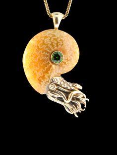 Oro fossili di Ammonite Nautilus collana Cromo Diopside ciondolo Ammonite Ammonite gioielli Shell gioielli tentacolo gioielli polpo Kraken di martymagic su Etsy https://www.etsy.com/it/listing/237457094/oro-fossili-di-ammonite-nautilus-collana