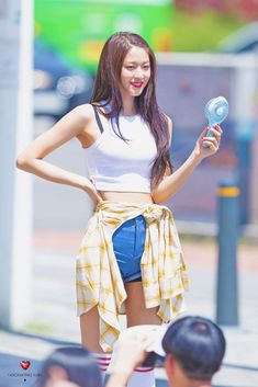#aoa #seolhyun Kim Seol Hyun, Pop Photos, Seolhyun, Kpop, Asian Beauty, High Waisted Skirt, Dancer, Sexy, Skirts