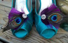 Bridal Shoe Clips - Purple Plum Feathers, Peacock Shoe Clips, Feathered Shoe Clips, Wedding Shoe Clips. €29.22 EUR