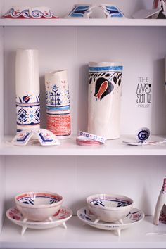 An experimental journey of the multidisciplinary illustrator Madalina Andronic through the awesome milky-silky world of porcelain, with a touch of Romanian folklore. Ceramic Decor, Ceramic Art, Principles Of Art, Decorative Objects, Decorative Bottles, Handmade Decorations, Handmade Clothes, Stoneware, Art Pieces