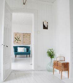 Scandinavian interior - all white interior