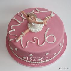 Ballerina cake in marzipan.