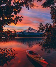 Sunrise views at Lost Lake .R: photography photography nature Beautiful Sunset, Beautiful Places, Beautiful Beautiful, Wonderful Places, Absolutely Gorgeous, Landscape Photography, Nature Photography, Photography Tips, Sunrise Photography