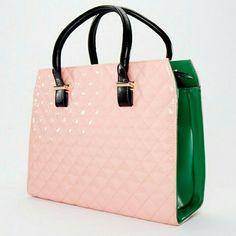 Pretty in Pink and Green Aka Sorority, Alpha Kappa Alpha Sorority, Perfect Pink, Pretty In Pink, Pretty Girls, Alpha Woman, Pink Apple, Green Purse, Alpha Female