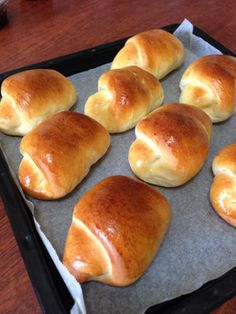 HBで格段に柔らかいパン生地になる裏技 My Recipes, Bread Recipes, Cooking Recipes, Sandwiches, Sweet Buns, Bread Toast, Japanese Food, Hot Dog Buns, Scones