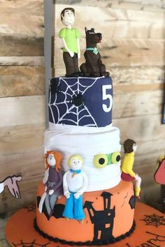 Check out this fantastic Scooby-Doo birthday party! The cake is so much fun!See more party ideas and share yours at CatchMyParty.com #catchmyparty #partyideas #scoobydoo #scoobydooparty #girlbirthdayparty #cake