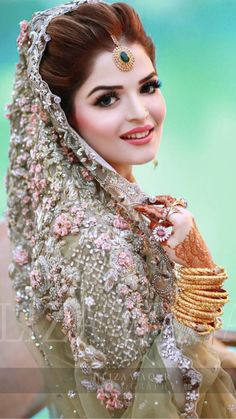 Pakistani bridal makeup 2020 for different wedding ceremonies has different styles and outlooks. See ultimate bridal makeup pictures for mehndi walima and Barat functions. See the glorious models with great and charming styles. Pakistani Bridal Makeup, Pakistani Wedding Outfits, Bridal Outfits, Bridal Lehenga, Wedding Wear, Desi Wedding, Wedding Makeup, Wedding Girl, Wedding Music
