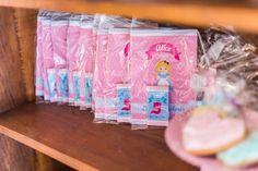 festinha-alice-no-pais-das-maravilhas-rosa-azul-decoracao-Pequenos-Luxos-23