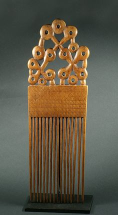 Africa | Comb from the Akan people of Ghana | Wood | mid 20th century