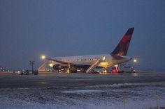 Delta Air Lines, 767 Parked | Flickr - Photo Sharing!