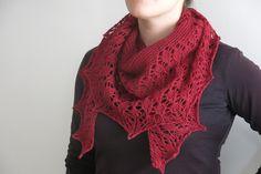 Ravelry: Russula Shawl pattern by Littletheorem
