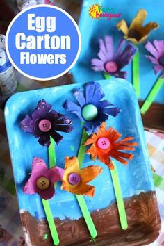Easy, inexpensive Spring crafts for toddlers and preschoolers. Flowers, bugs, birds and nature crafts and outdoor play ideas. All kinds of spring crafts and activities for kids. Spring Crafts For Kids, Easy Crafts For Kids, Summer Crafts, Toddler Art, Toddler Crafts, Earth Day Crafts, Egg Carton Crafts, Sand Crafts, Recycled Crafts